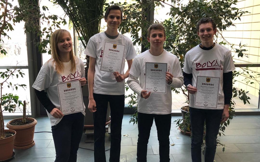 Erfolgreiches Team beim Bolyai-Mathematikwettbewerb