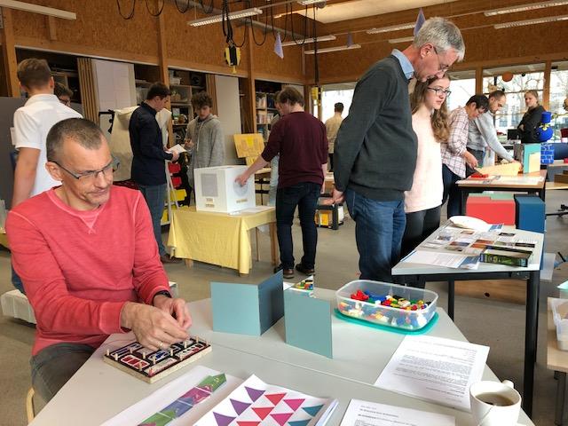 Mathe-Experimente an Kinderforscherzentrum Helleum übergeben